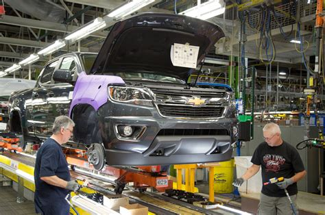 gm adding shift  chevrolet colorado gmc canyon production