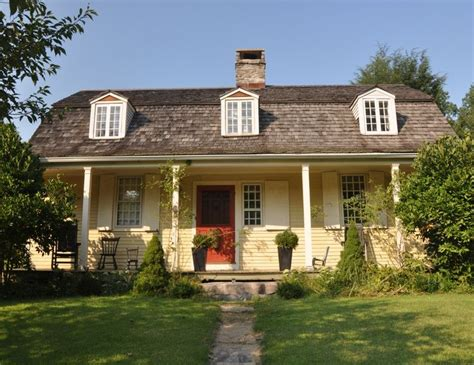 gambrel colonial 104 best images about gambrel barn with apartment on pinterest