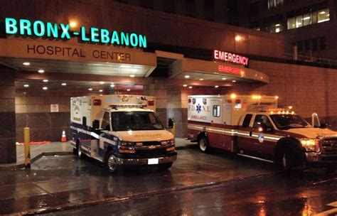 bronx lebanon hospital emergency room bronx lebanon emergency room bronx hospital shooting gunman kills turns carreteando por ah