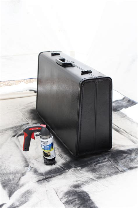 spray painting luggage vintage suitcase makeover confessions of a serial do it