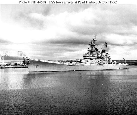 uss iowa bb 61 the story of the big stick from 1940 to the present legends of warfare naval books usn ships uss iowa bb 61