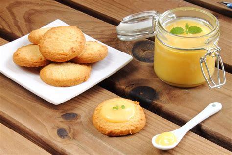 biscotti per la colazione fatti in casa ricetta biscotti in padella non sprecare