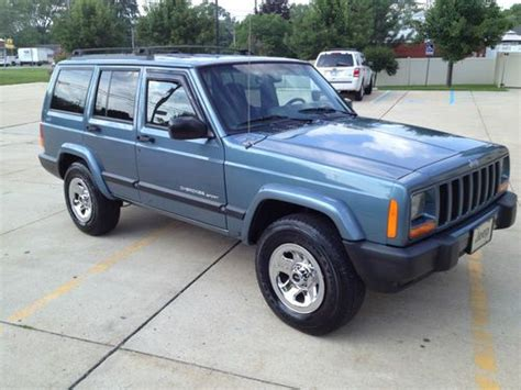 how to fix cars 1999 jeep cherokee auto manual buy used 1999 jeep cherokee sport 4 door 4x4 4 0 super clean a must see drive in monroe