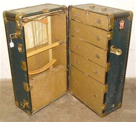 Steamer Trunk With Drawers by Wheary Trunk Co Steamer Trunk With Interior Drawers