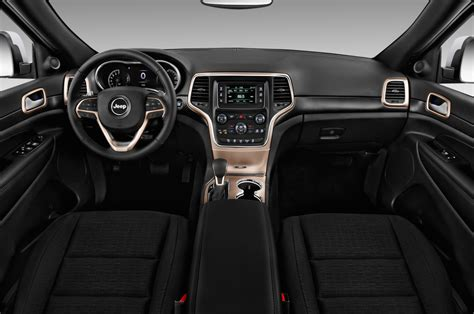 jeep cherokee dashboard 2017 jeep grand cherokee reviews and rating motor trend