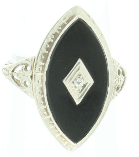deco ring in 14kt white gold w black onyx and