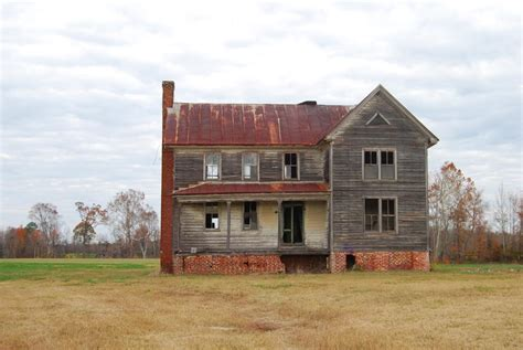 buying an old home considerations for buying an older home underpinners