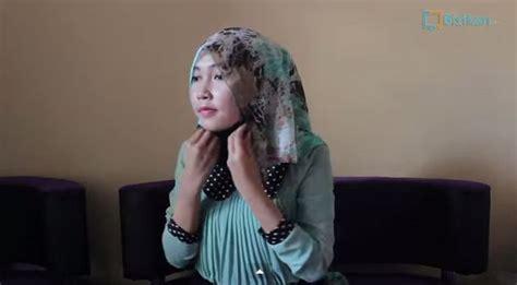 tutorial hijab segiempat hang out tutorial hijab pashmin siffon gaya ikat cantik untuk hang out