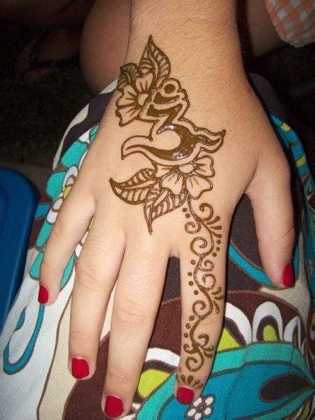 henna style hand tattoos design henna tattoos