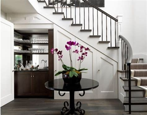 Stairs Design Near Dining Room