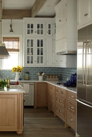white kitchen backsplash like the cabinet color too light wood cabinets on bottom white wood cabinets on top