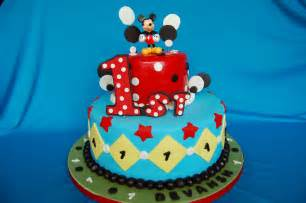 mickey mouse kuchen customised cakes by jen polka dot mickey mouse cake