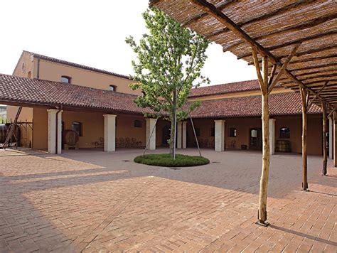 mattoni per pavimenti esterni pavimento per esterni in cotto mattoni per pavimenti by