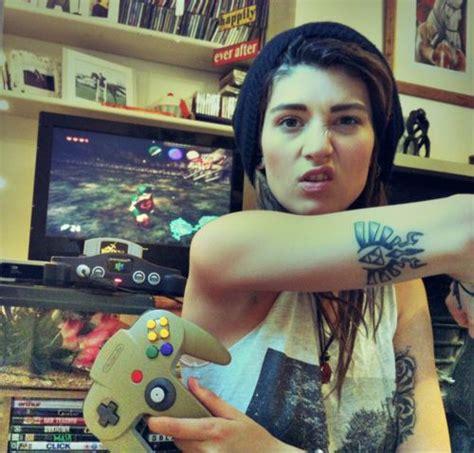 zelda tattoo girl gamer girl zelda triforce arm tattoo tatoos pinterest