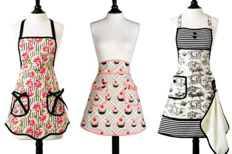 bake off apron fashion designer a taste of general mills vintage aprons by jessie steele baking in style in the