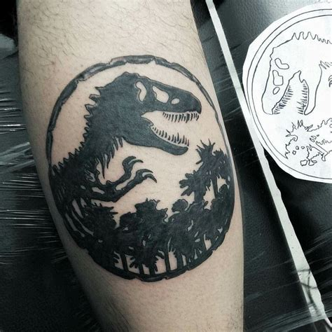 jurassic park tattoo designs 25 best ideas about dinosaur tattoos on