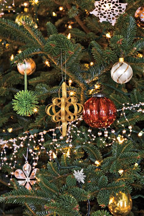 christmas decorations photos 100 fresh christmas decorating ideas southern living