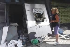 intesa san paolo pescara fanno saltare i bancomat con l esplosivo derubate banche