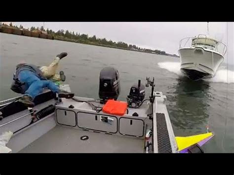 crash boat fishing oregon boat crash youtube