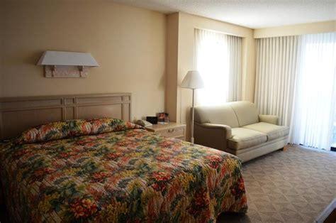 hale koa room rates deluxe view room king bed sleeper sofa picture of hale koa hotel honolulu tripadvisor