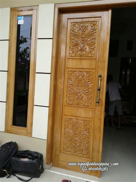 Figura Ukir Jepara ukiran pintu kupu tarung figura kaligrafi jati untuk kulit hewan ijp 015 furniture kayu model