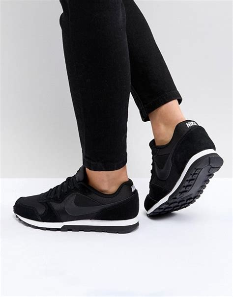nike nike black white md runner sneakers