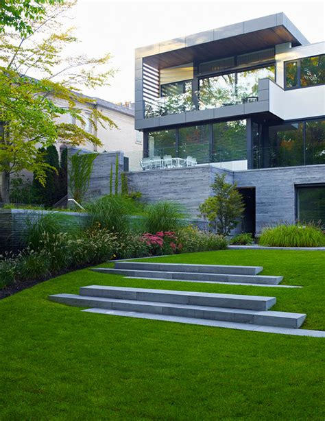 toronto canada modern houses canada homes modern homes in canada mexzhouse com awarded contemporary home with beautiful garden in toronto