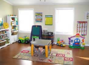 Toddler playroom ideas like the chart ideas for the learning area