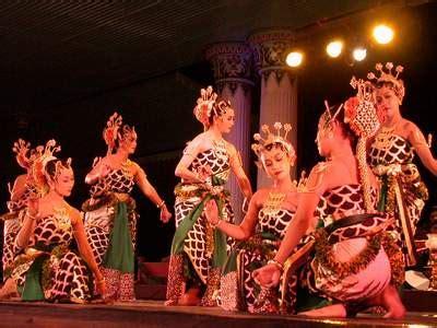 Kamoro Aspek Aspek Kebudayaan Asli kebudayaan dan kesenian indonesia kebudayaan dan kesenian