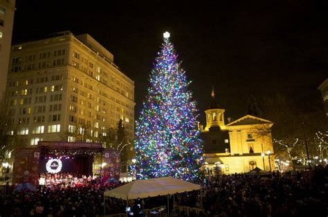 christmas tree lighting downtown portland or trimet warns of max station closure at downtown tree lighting delays due to auto collision in