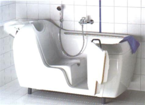 badewanne behindertengerecht badewanne mit t 252 re modell d1