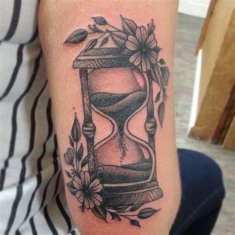 relojes de arena tatuajes y su significado belagoria