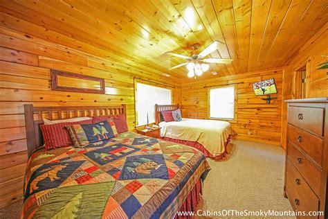 8 bedroom cabins in pigeon forge pigeon forge cabin wildbriar inn 8 bedroom sleeps 25