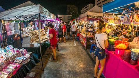 shopping in bangkok during new year how to bargain when shopping in bangkok thailand tourism
