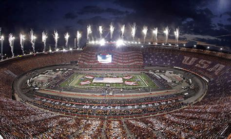 capacity of bristol motor speedway battle at bristol a big hit for all concerned photos