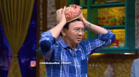 Ahok Gif   ahok di its gif turban headdress dancing discover