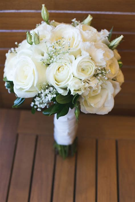 White Flowers Wedding Bouquet by 25 Best Ideas About White Wedding Bouquets On