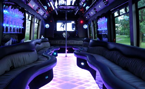12 of the best new partybus f 252 r partyspass pur stretchlimousinen partybus und oldtimer verleih