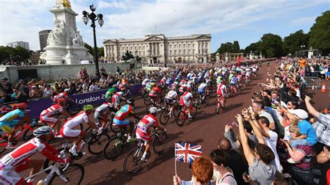 prudential ridelondon surrey 100 sportive 2015 about record number apply for prudential ride london ballo