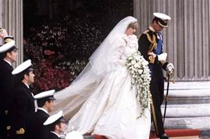 princess diana and charles prince charles wept the night before marrying princess diana
