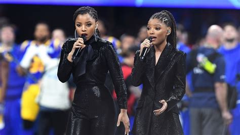 chloe and halle bailey national anthem gladys knight chloe x halle shine at super bowl story
