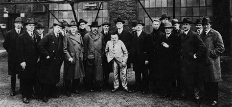 Maxwell Tesla 187 Albert Einstein