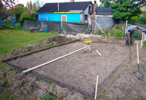 Gartenhaus Fundament Bauen by Gartenhaus Fundament Tag 1 Vorbereiten Und Schalung Bauen