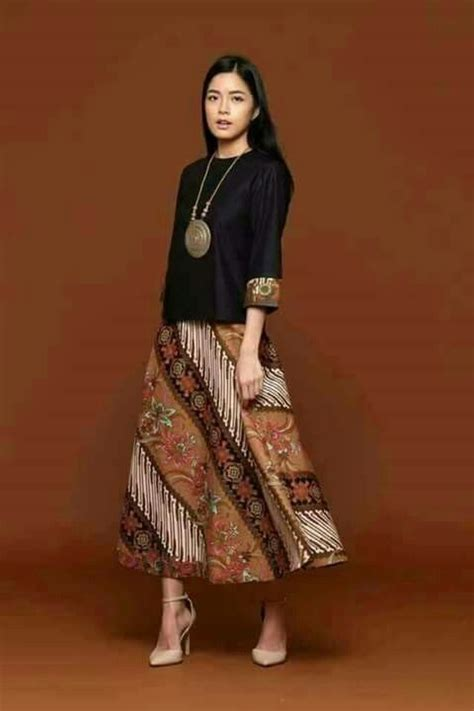 Setelan Kebaya Tunik Taveta Modern best 25 batik fashion ideas on batik dress