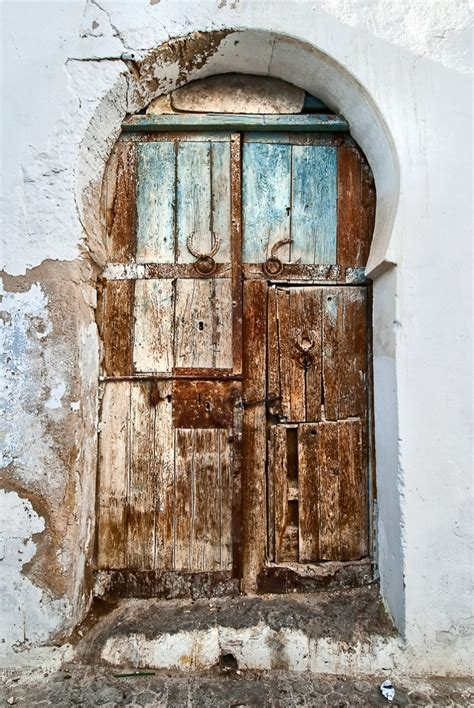 keyhole doorway tunisia klas herman