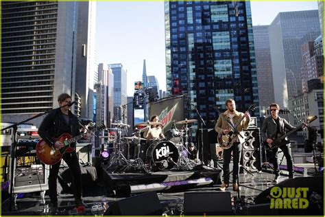 kings of america full sized photo of kings of leon performs live on good morning america 03 photo 2959293