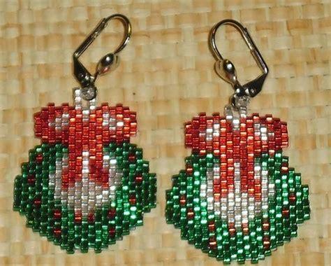 pattern for beaded christmas earrings free beaded wreath patterns christmas wreath earrings