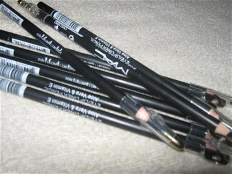 Eye Liner Pensil La Tulipe mac eyeliner black