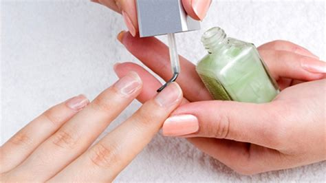 How To Maintain Healthy Beautiful Nails by 10 Exclusive Tips To Maintain And Healthy Nails