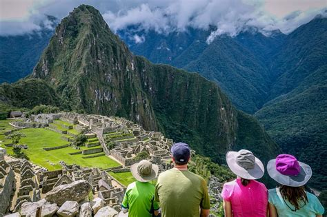 luxury family peru travel       stay